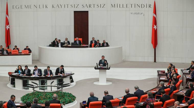 Turkish lawmakers authorise sending troops to fight in Libya
