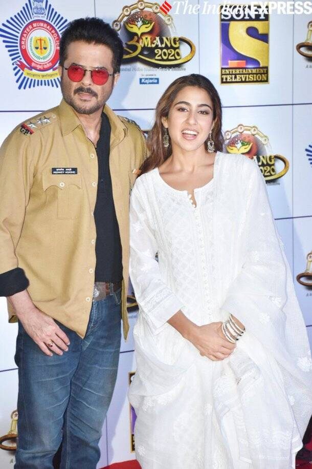 anil kapoor with sara ali khan at umang 2020