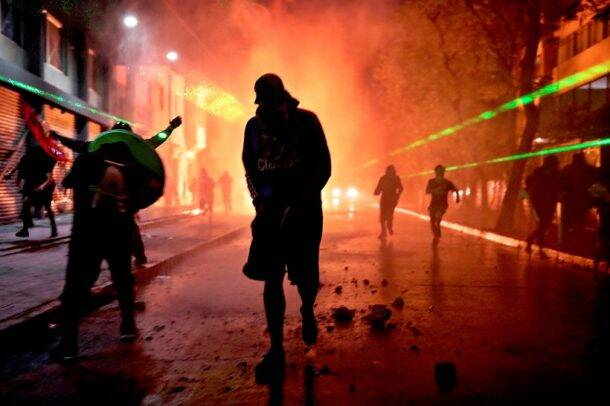 chile riots, chile protest, chile protest photos, chile unrest, chile president Sebastián Piñera, world news, indian express