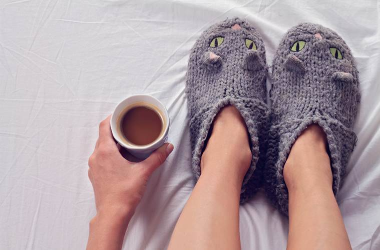 winters, hands and feet, keeping the hands and feet warm in winters, blood flow, heart, health, indian express, indian express news