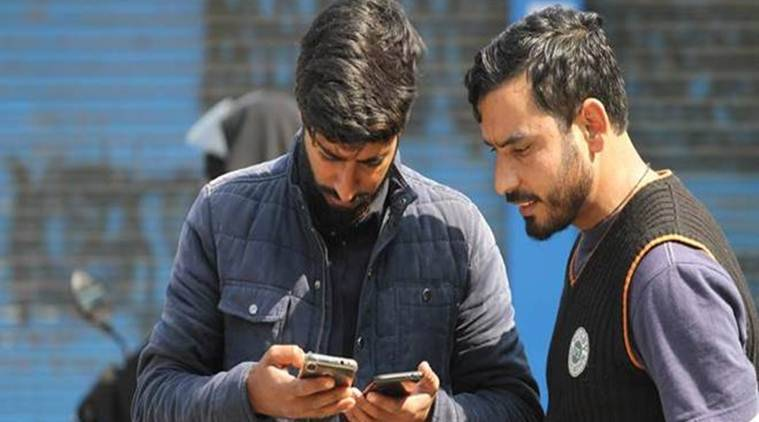 Jammu and Kashmir, kashmir Internet clampdown, kashmir intermet, kashmir communication, Jammu and Kashmir Police, Indian express