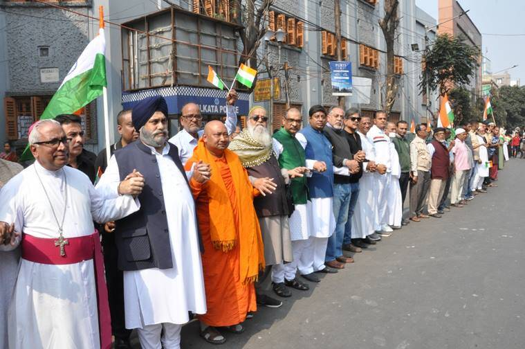 Kolkata human chain, Republic Day, Republic Day human chain, human chain against CAA, nrc, NPR, Kolkata news, indian express