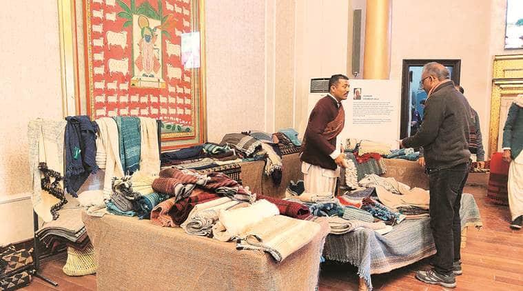 delhi exhibition, Desi Oon, Rabari community, wollen cloths, weavers and designers, heritage of Kutch, indian express news