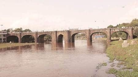 IIT bombay, mumbai central railway, mumbai roads, mumbai British era bridge, mumbai bridge reconstruction, mumbai news, maharashtra news, indian epress news