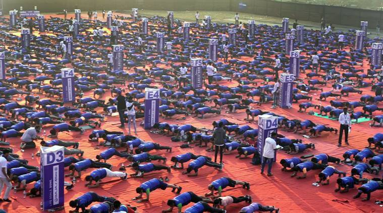 Republic day, Plankathon event, Mumbai plankathon record, Most planks Guinness World Record, Most number of people holding the abdominal plank position, Indian Express,