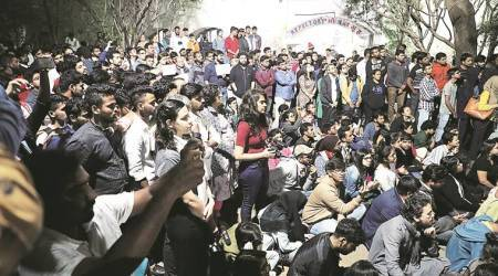 Pune: Students take to streets against violence in JNU
