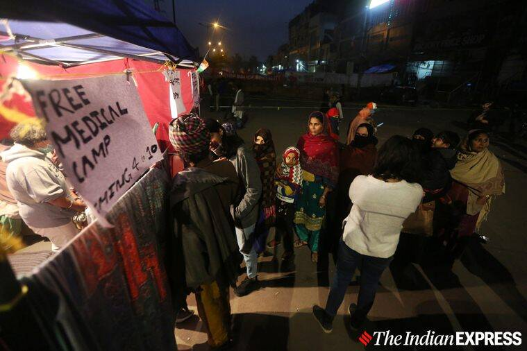 Shaheen Bagh, Shaheen Bagh protest delhi, delhi Shaheen Bagh graffiti, anti-caa protests, graffiti protest art Shaheen bagh, stree art shaheen bagh, CAA protest Shaheen Bagh, JNU violence, opinion news, indian express news