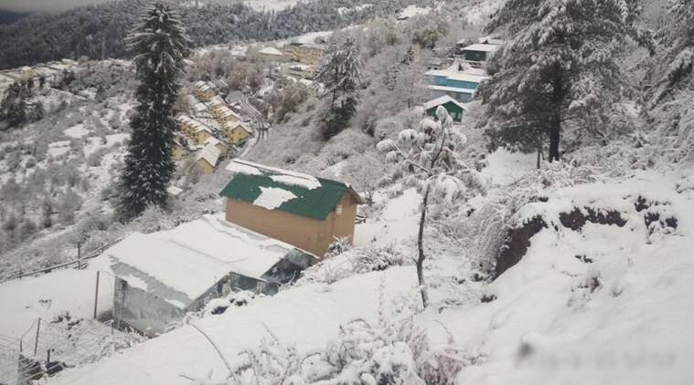 Heavy snowfall in Uttarakhand, tourist footfall up in Mussoorie