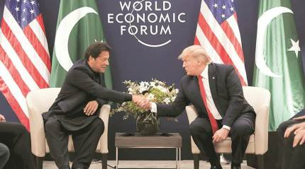 Trump meets Imran in Davos, offers 'help' on Kashmir issue