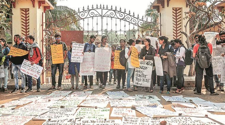 Visva Bharati University, Visva Bharati University students attacked, SFI students attacked, Bengal SFI students attacked, Kolkaata newss, ABVP attacks SFI students