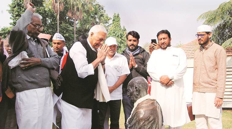 Ahmedabad: Yashwant Sinha defies section 144, takes out march