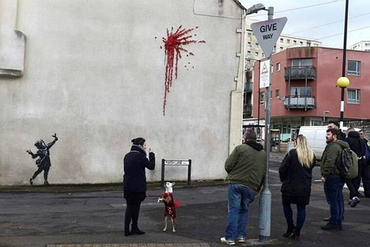 Banksy, Valentines day, Banksy valentines day graffiti, Valentines day graffiti, Banksy graffiti, Britain, London, Trending, Indian Express news