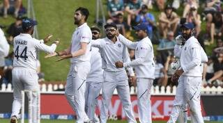 New Zealand take lead on Day 2 but India strike back late in 1st Test