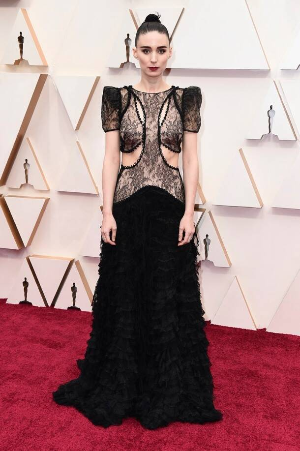 oscars 2020, v red carpet looks,oscars 2020 bizarre looks, oscars 2020 best and worst dressed, oscars 2020 fashion, oscars 2020 clothes, oscars 2020 awards nominees, oscars 2020 list of winners, indian express, lifestyle