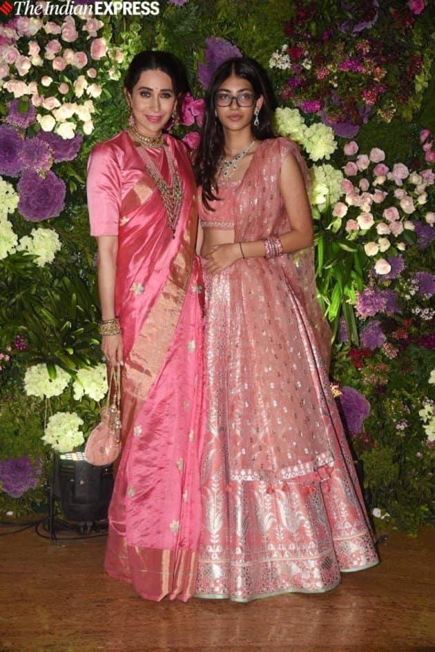 karisma kapoor with daughter