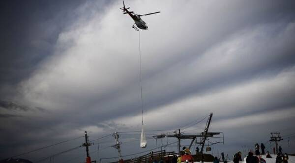 Helicopter carried snow to french ski resort, helicopter delivers snow to dry slopes, French ski resort, helicopter delivers snow, Trending, Indian Express news
