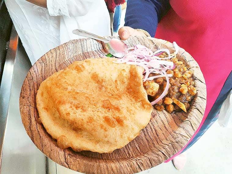 Families in Food, Chache Di Hatti, Kirori Mal College, Amitabh Bachchan, aloo masala, chana masala, chhole bhature, street food, street restaurants