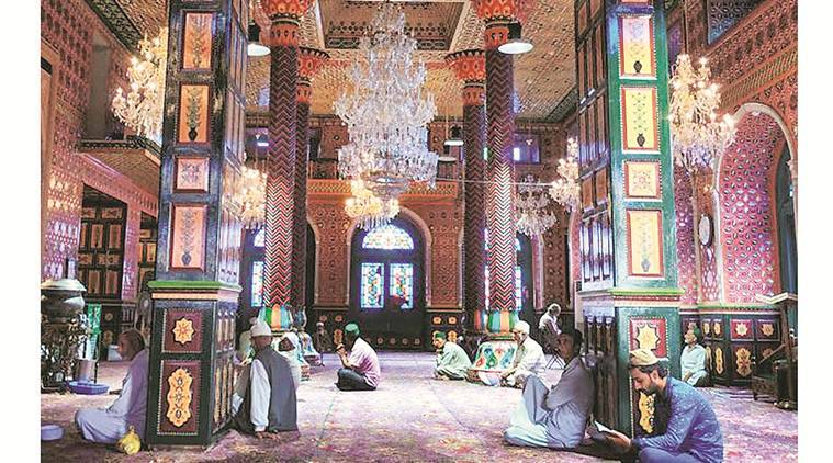 Kashmir architecture, Kashmir Weaving, Kashmir culture and tradition, Peer Dastgeer Sahib shrine, indian express talk, indian express news
