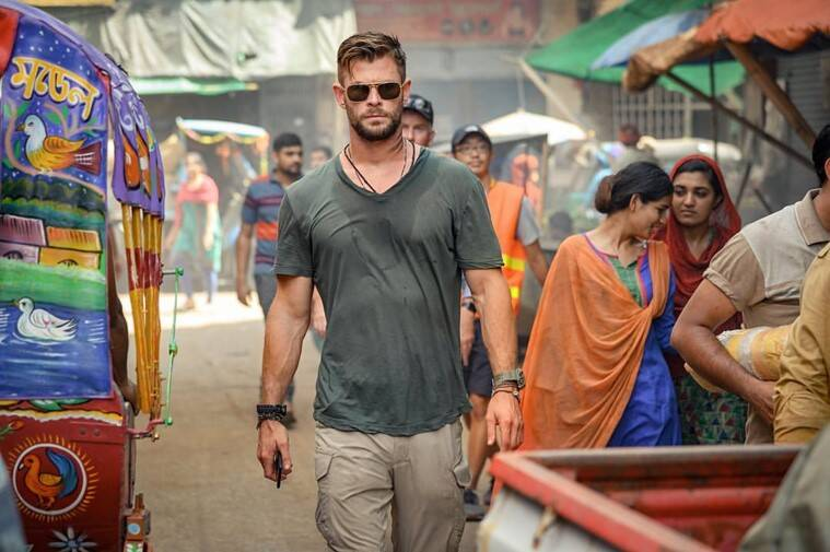 Extraction netflix film chris hemsworth photos
