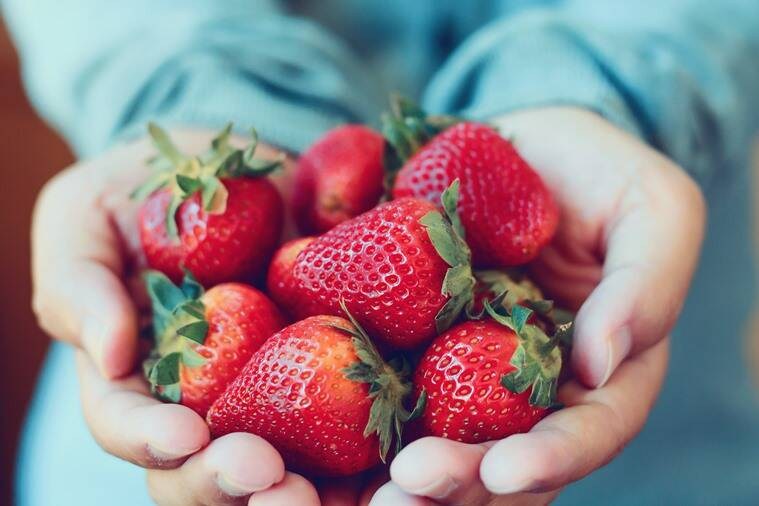 strawberry, v skin routine, strawberry products, strawberry skincare, best fruits for skincare, home remedies for acne, indian express