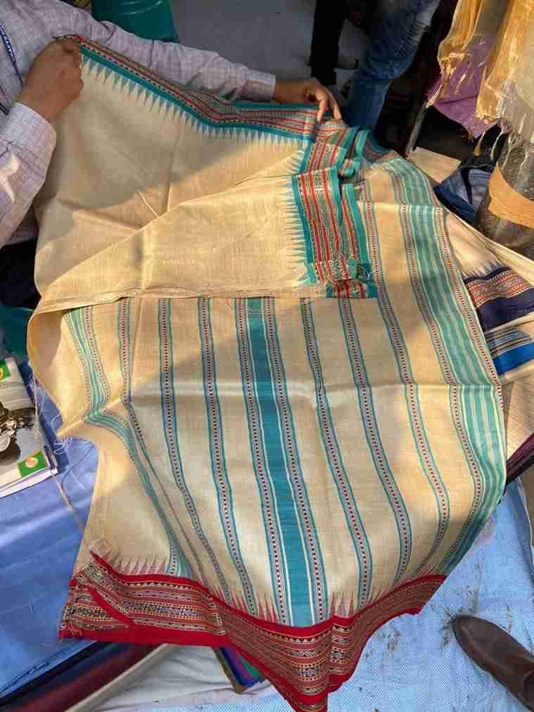 Karvati Sarees, surajkund, surajkund mela, art and craft at surajkund mela, surajkund crafts mela, surajkund indian express 2020