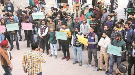 ABVP, ABVP students hold protest, PU students protest, SFS students protests, panjab university, chandigarh news, indian express