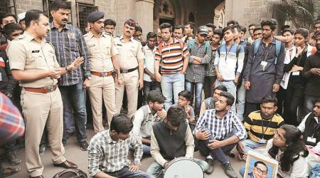 Fergusson college, abvp meeting, protest against abvp meeting, Pune news, indian express
