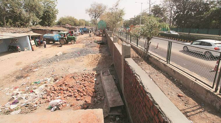 Residents of slum on Trump roadshow route fear eviction in Ahmedabad