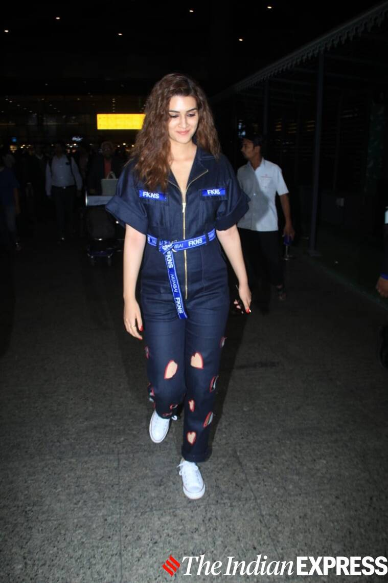 airport looks, airport look, alia bhatt photos, kangana ranaut photos, aditya roy kapur photos, kiara advani photos, suny leone photos, Indian Express, Indian Express news