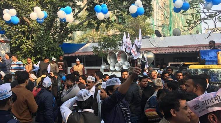 delhi election result, aam aadmi party, aap, arvind kejriwal, aap celebrations, aap party office, caa, nrc, delhi election counting, indian express