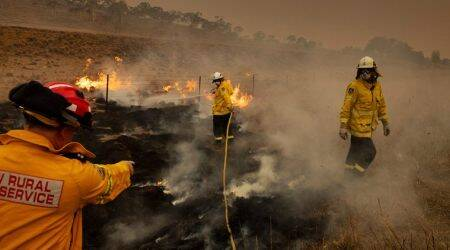 australia fire, australia volunteer firefighters, new south wales, climate change, world news, indian express