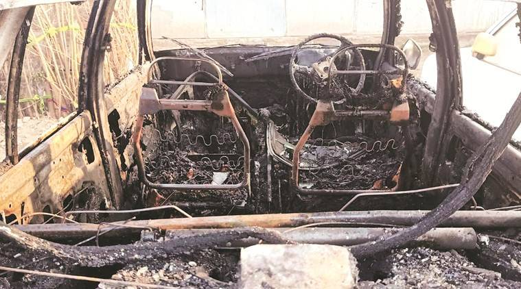 chandigarh sector 52 cars set on fire, cars set on fire in chandigarh, cars on fire in chandigarh, chandigarh sector 52 fire, chandigarh city news