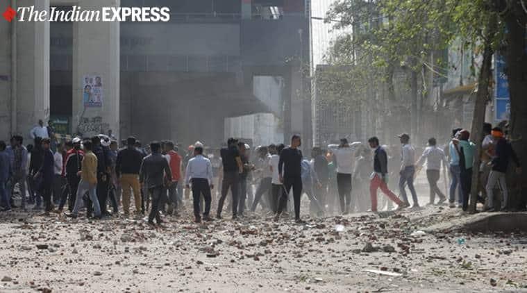 delhi violence, Maujpur-Babarpur, CAA protests violence delhi, delhi metro stations closed, donald trump in delhi, delhi news, arvind kejriwal, kapil mishra, ajay maken, indian express