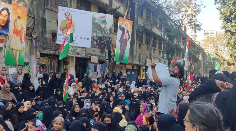 Mumbai: Poet talks about CAA protests, Uber driver takes him to police