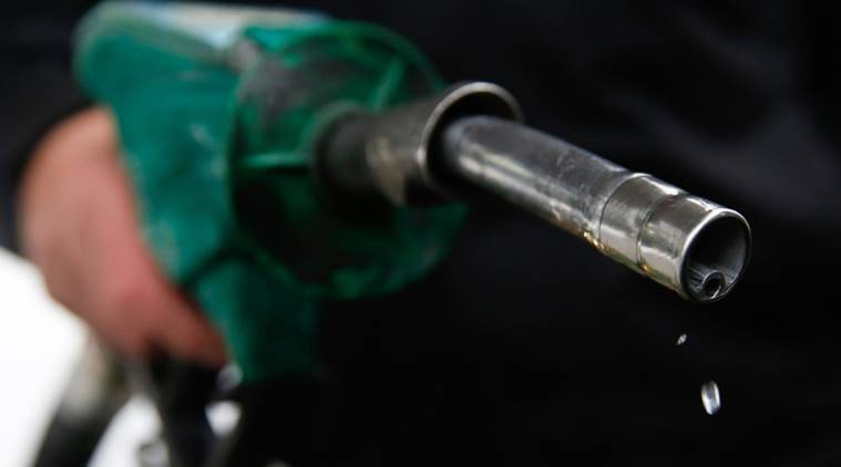 petrol price, fuel price in india, assocham, gulf war, oil prices, crude oil, diesel rate, business news, indian express