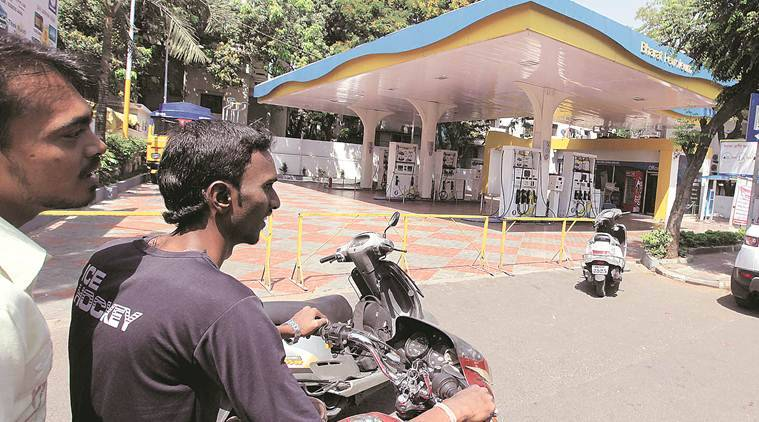 Pune Petrol Dealers Association,  daily oil price, pune news, maharashtra news, indian express news
