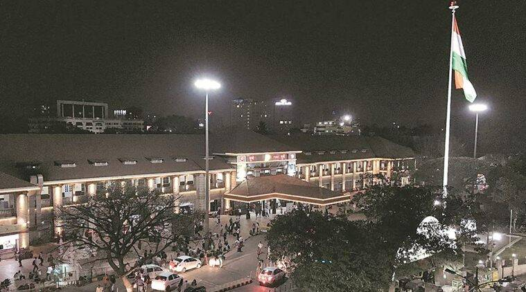 Pune Railway Station congested by vehicles parked for hours, days