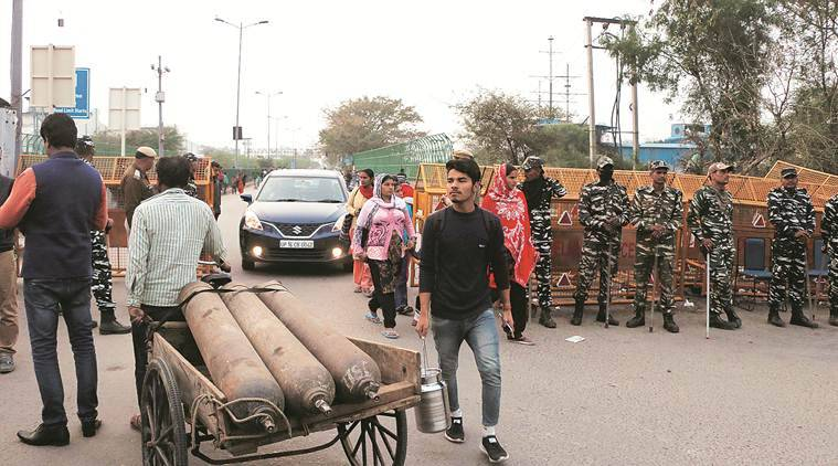 Amid mediation in Shaheen Bagh, small step forward: A road opens, allowing some traffic towards Noida