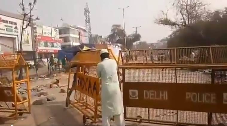 Watch: Shaheen Bagh protesters remove barricades to let funeral procession pass
