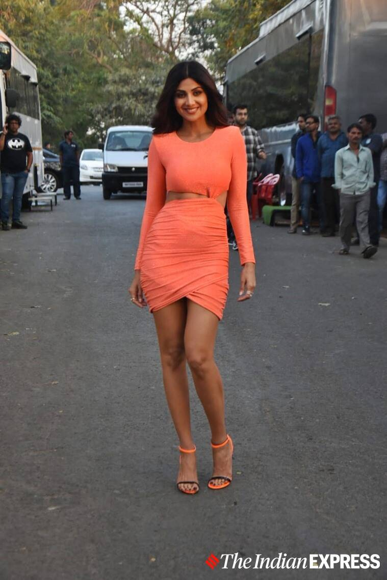 neon trends 2020, neon clothes, neon designs 2020, neon fashion, bollywood in neon, neon cloth ideas, fashion, celeb fashion, indian express, lifestyle