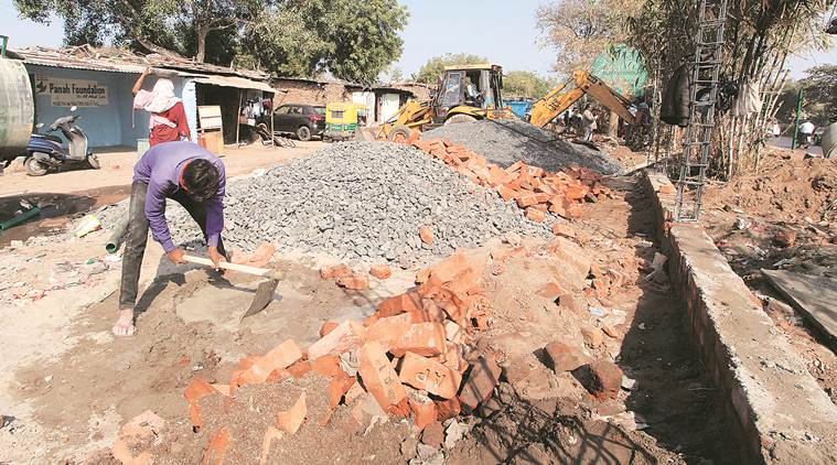 Wall on Trump route to mask slum: Civic body to reduce height