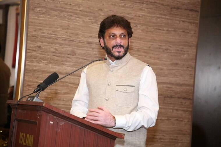 waris pathan, AIMIM National Spokesperson, waris pathan muslim remark, wari pathan karnataka anti-caa speech, who is waris pathan, indian express