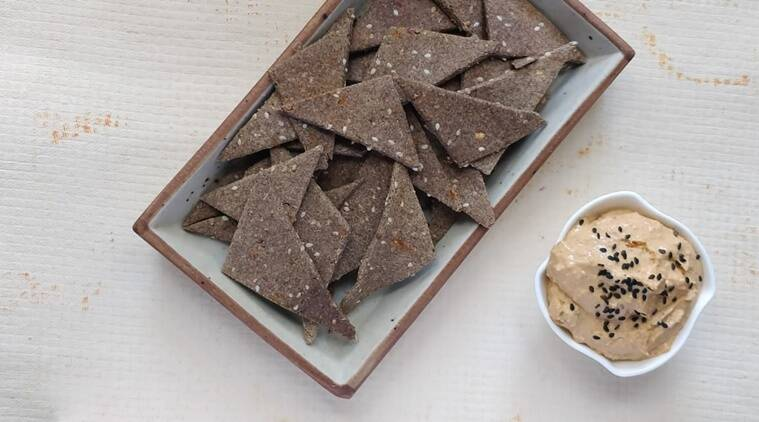 Weight loss diet Spicy Baked Millet Crackers: A quick and healthy recipe for your loved ones thumbnail