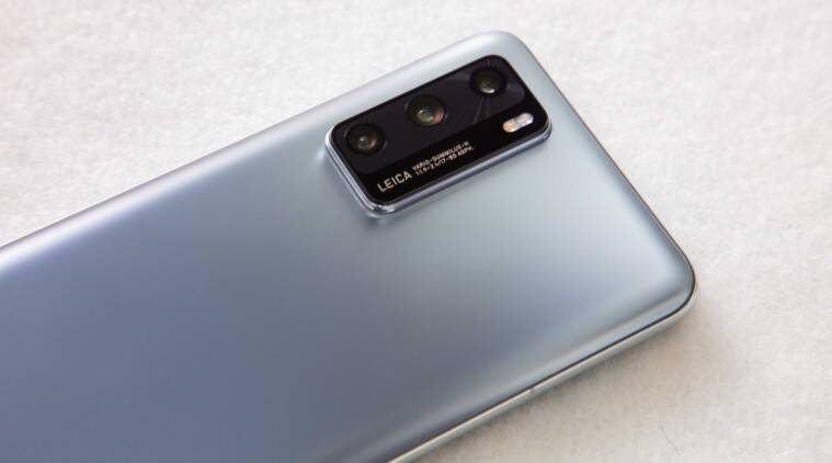 Huawei tests if Chinese consumers are ready to buy new phones with P40 flagships