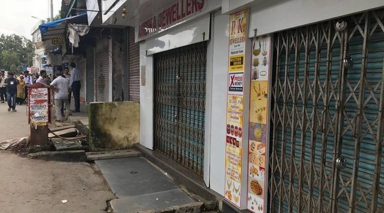 Confusion prevails in Mohali as shops down shutters in curfew 'break'