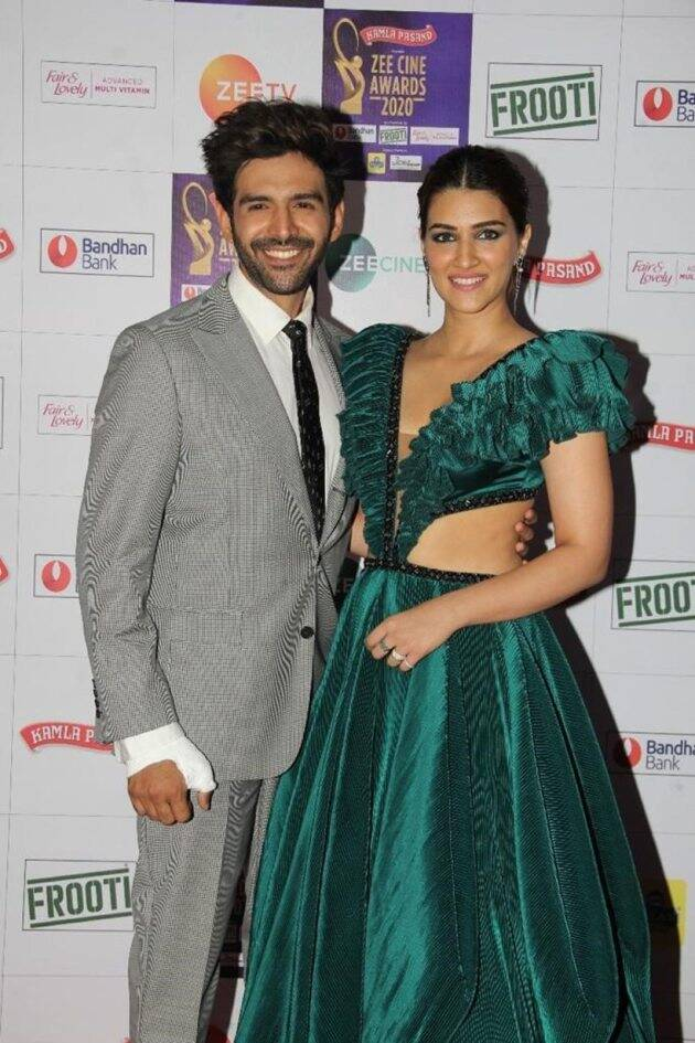 kartik aaryan with kriti sanon zee cine awards 2020