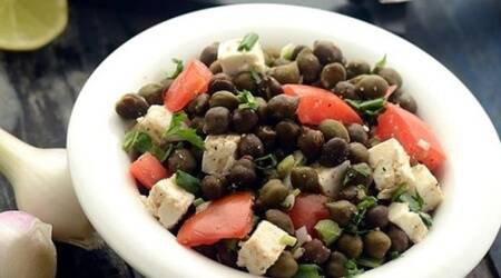 hunger pangs, work from home, indianexpress.com, indianexpress, tarla dalal, salad, healthysalad, indianfood, Chickpea Salad, chana salad, healthy chana, chana chaat, protein sources, vegetarian protein, immunity, tarla dalal recipes,