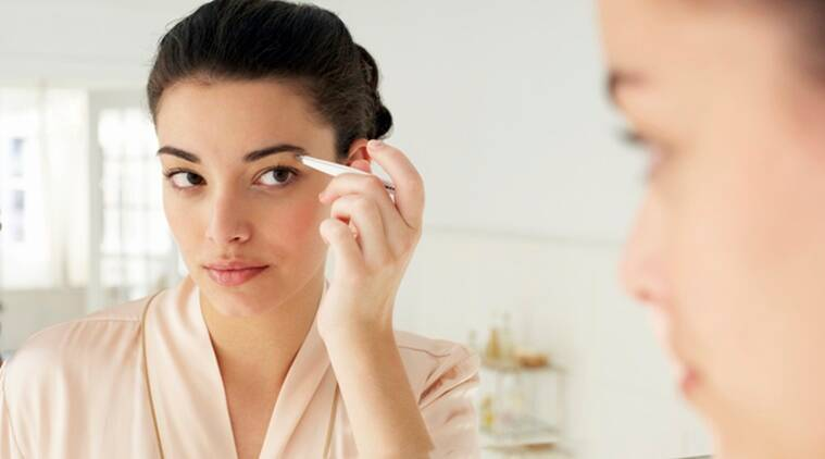 eyebrows, eyebrows make up, eyebrows makeup tricks, eyebrows pulling, indian express