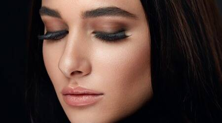 how to get thick eyebrows, how to grow thick eyebrows, bushy eyebrows trend, how to make eyebrows grow, indian express, lifestyle, skincare, makeup tips