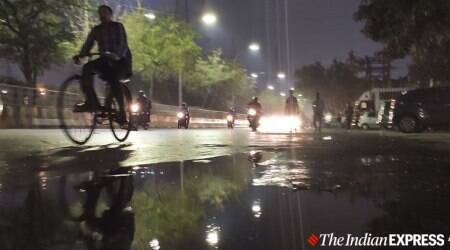 Delhi rains, delhi thunderstorms, delhi weather, delhi-ncr weather, delhi ncr temperature, indian express